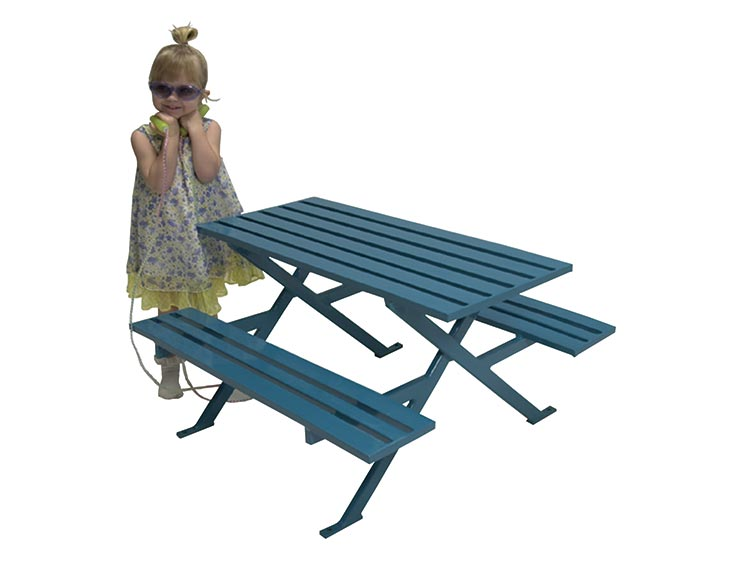 PUDDIN DRIPPINS BREAKWATER PICNIC TABLE