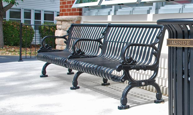 Lamplighter Bench with Back and center arm
