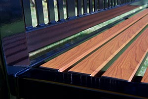 Wood Grain Aluminum Slats on Reading Bench detail