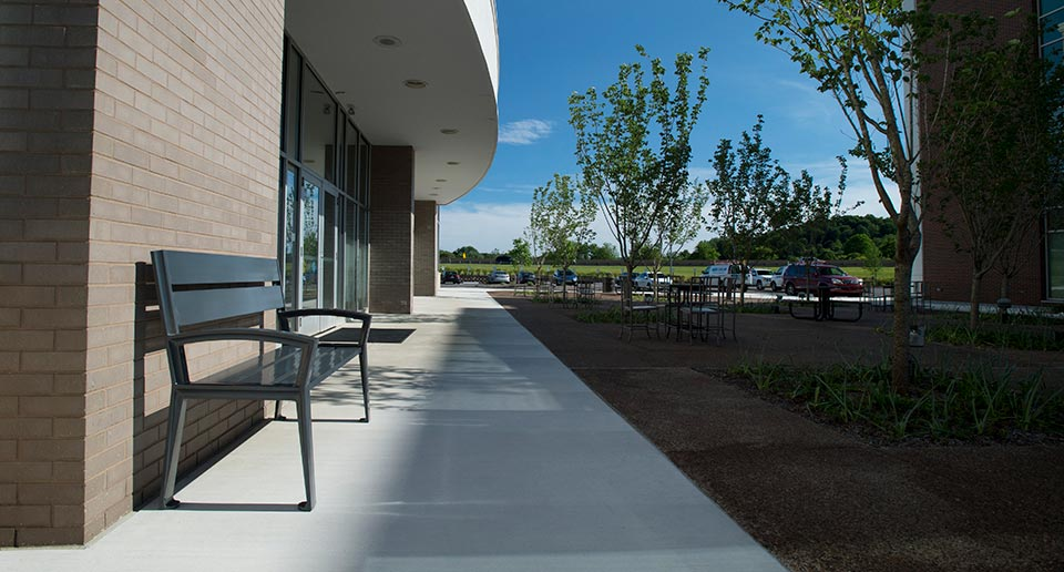 Everett Bench with Back installed outside a hospital