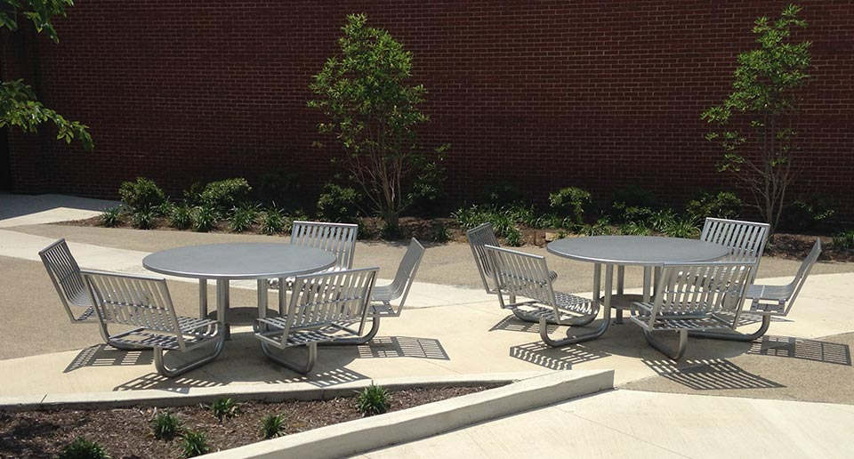 Five-seat Easton Table Sets that are ADA accessible