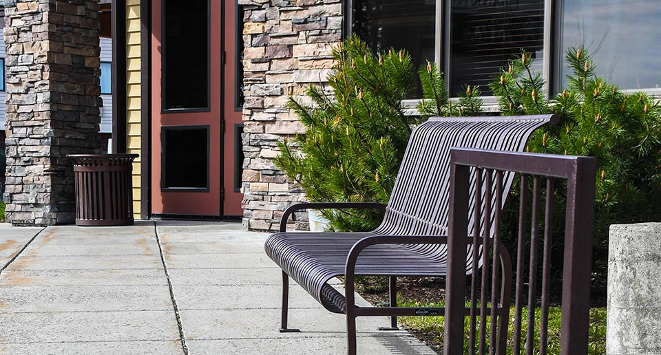 Pullman Bench with Back located outside a National Park Ranger Station